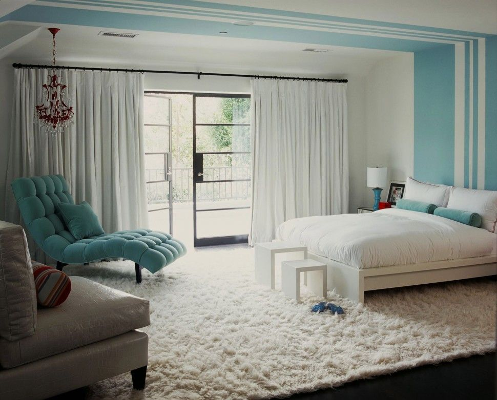 textured white bedroom - Bedroom Rug Ideas