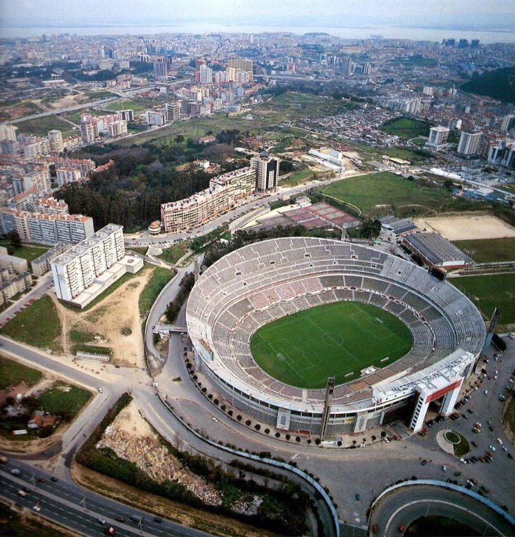 Antigo Estadio Da Luz Stadium Architecture Football Stadiums Sports Stadium