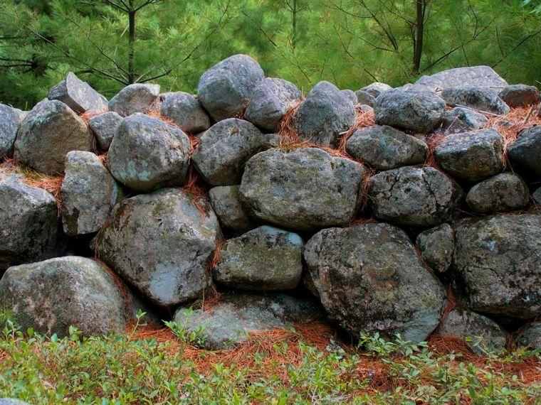 Los muros de piedra seca existen ya desde tiempos remotos en los que