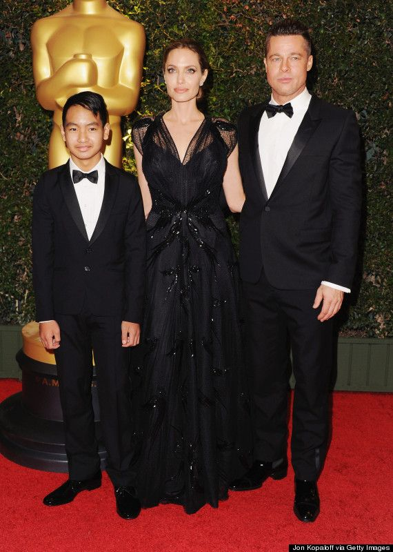 Maddox Jolie Pitt Steps Out On The Red Carpet With His Parents Brad And Angelina Brad Pitt And Angelina Jolie Brad Pitt