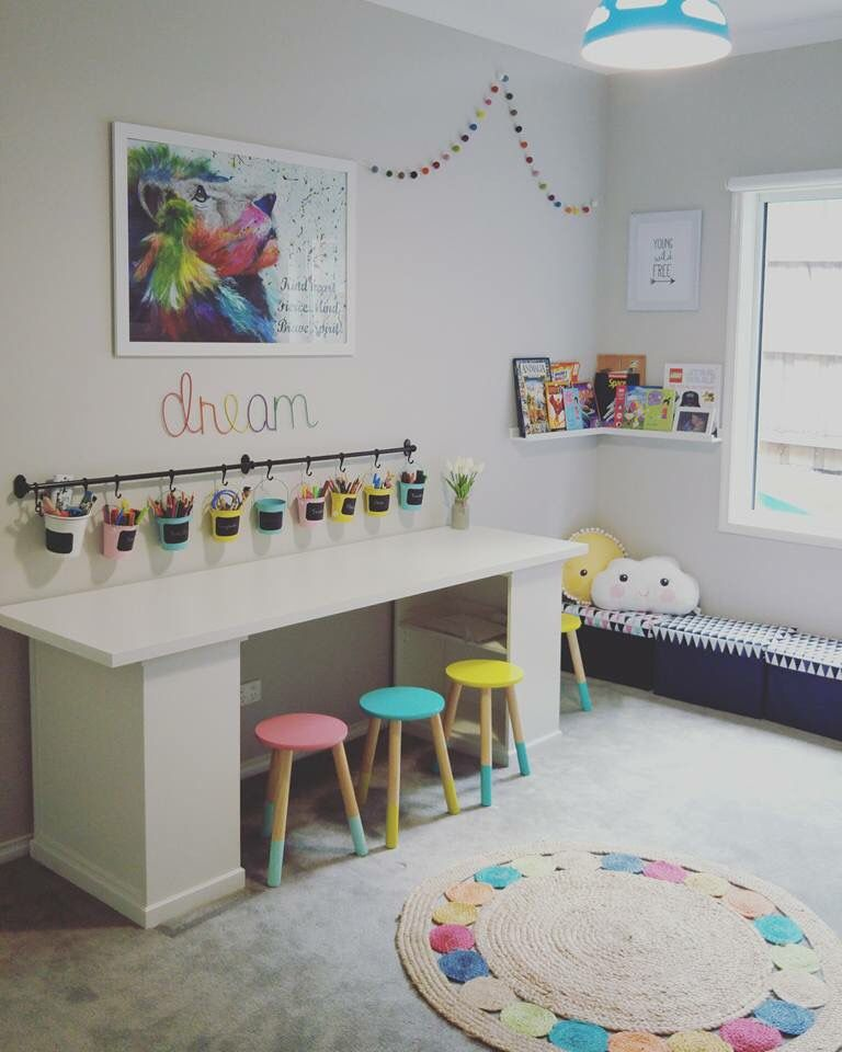 Like how the storage is under the desk and not cubbies on - Ikea muebles infantiles ...