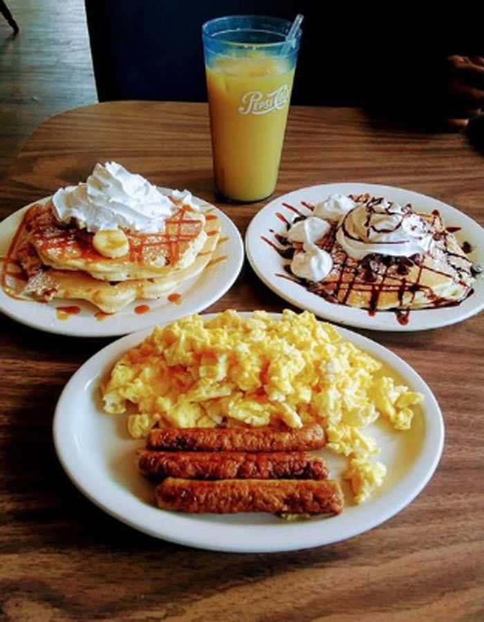 Catch A Sunrise And Then A Delicious Breakfast At National House Of Pancakes In Myrtle Beach South Carolina Click On The Myrtle Beach Restaurants Eat Food