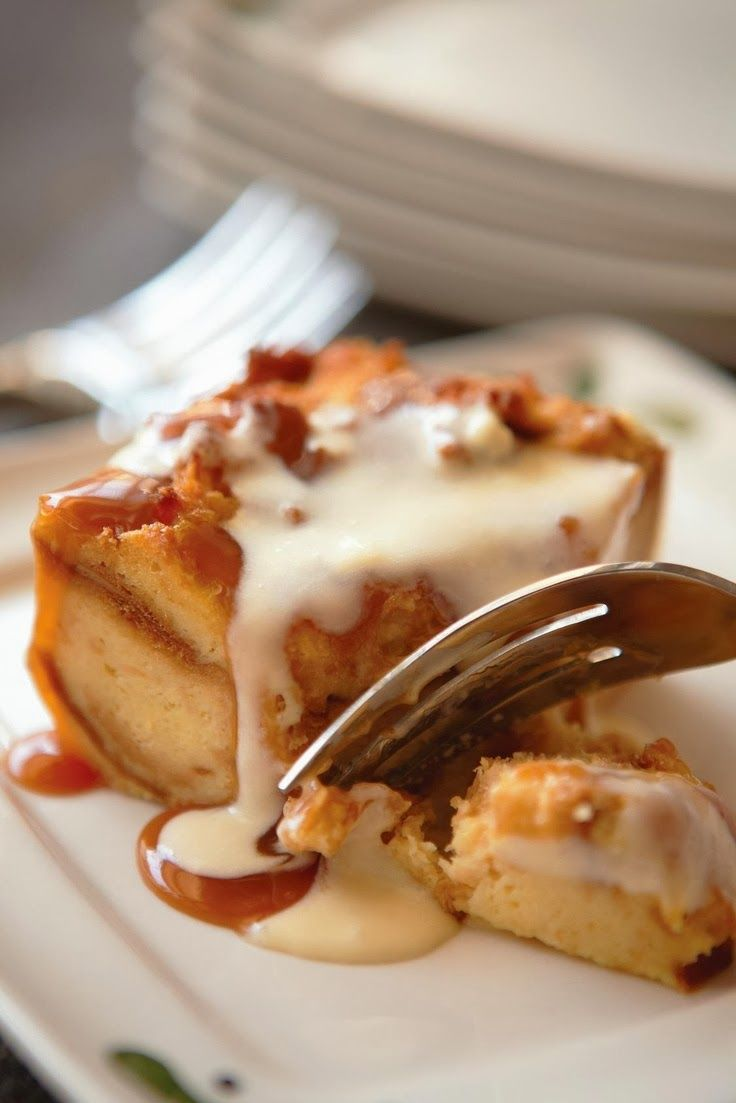 Olive Garden Bread Pudding   Food videos desserts, Yummy cakes, Sweet savory