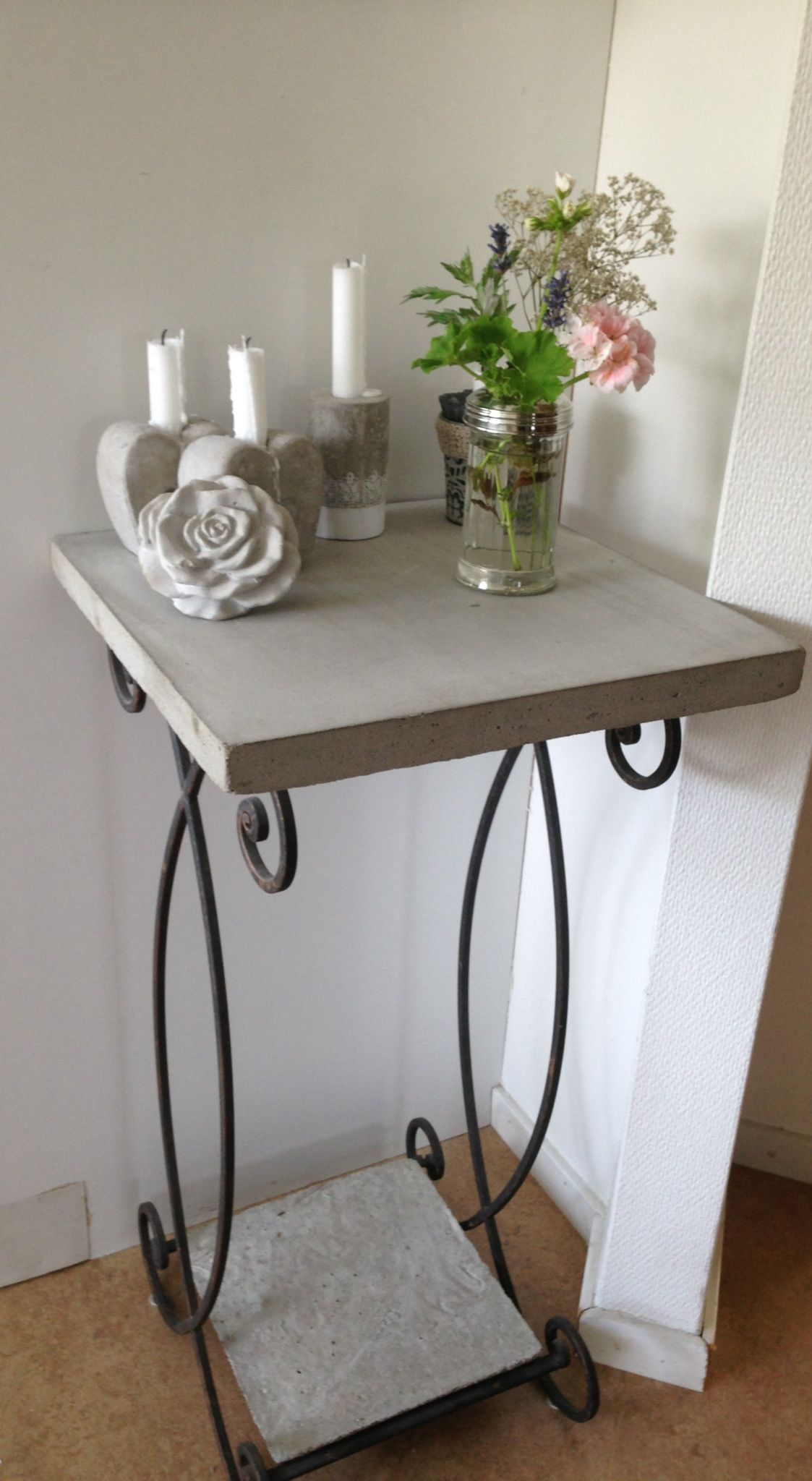 betontischchen concrete hypertufa co pinterest zement beton deko und gips. Black Bedroom Furniture Sets. Home Design Ideas