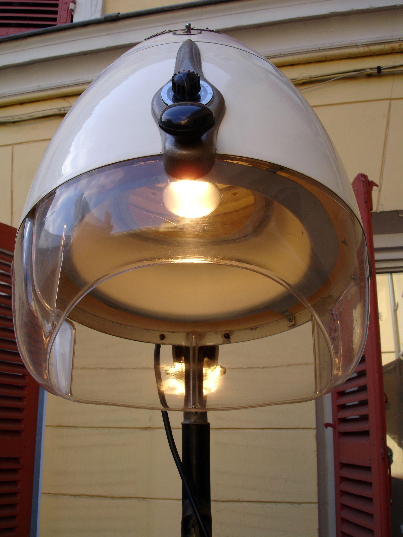 casque de coiffeur en lampe objet detourn pinterest casque coiffeur et objets d tourn s. Black Bedroom Furniture Sets. Home Design Ideas