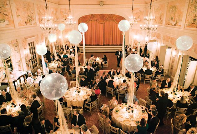 How to make balloons appropriate for a wedding reception for Balloon decoration for wedding receptions