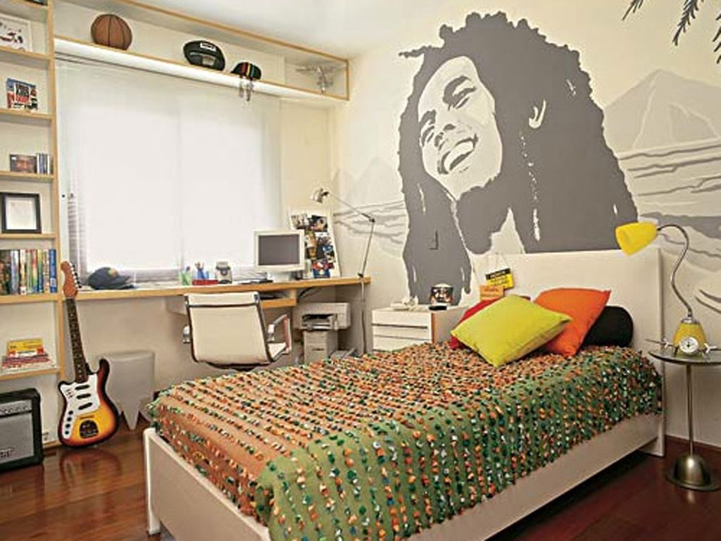 Bedroom designs for young men - Awesome Bob Bedroom I Personally Think Bob Marley Is A Better Idol Than Young Men S