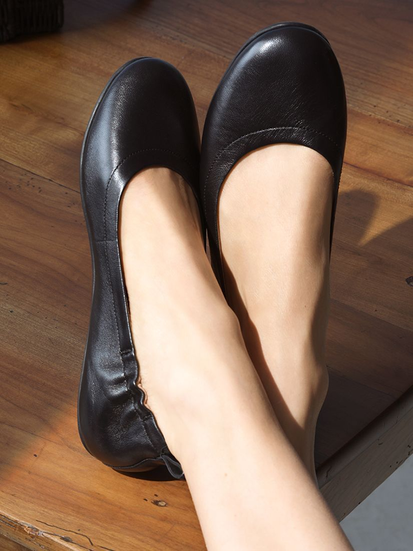 Fitflop Allegro Flat Leather Pumps