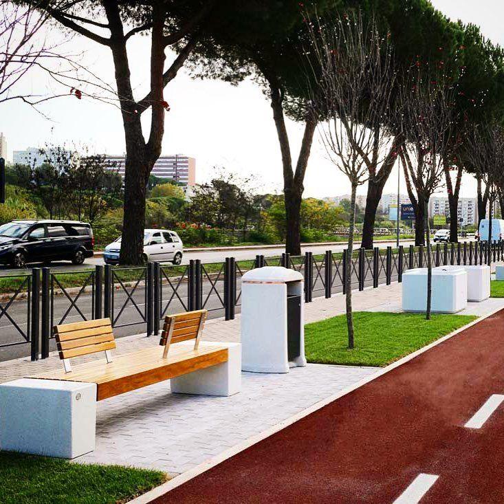 Romaeur arredo urbano lungo la nuova pista ciclabile for Archi arredo roma