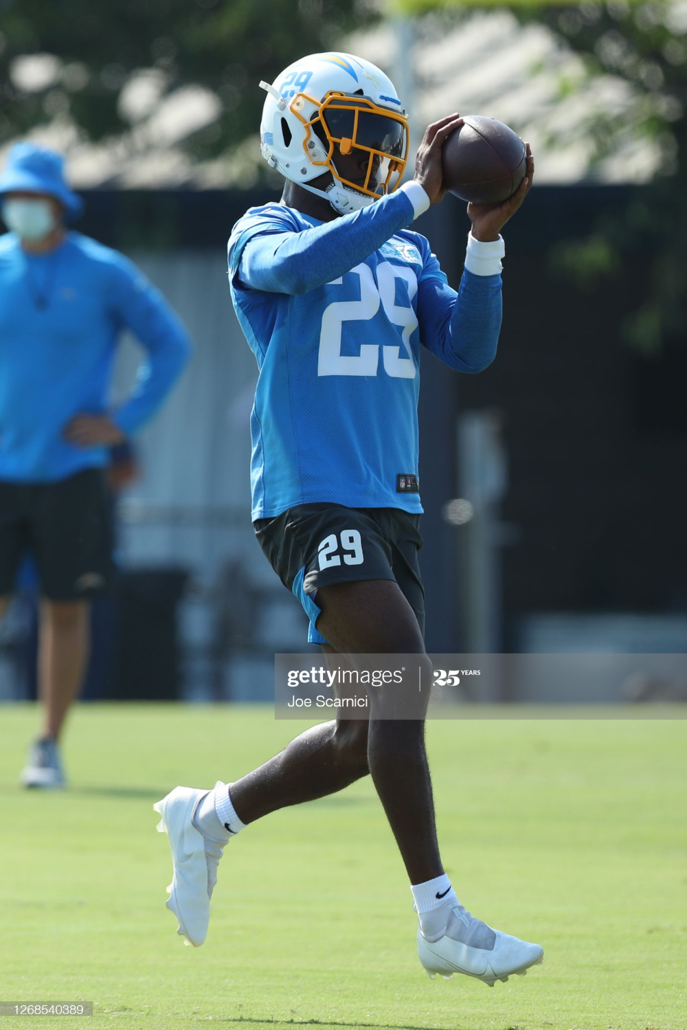 News Photo Quenton Meeks Of The Los Angeles Chargers Makes A In 2020 Los Angeles Chargers Los Angeles Sports Complex