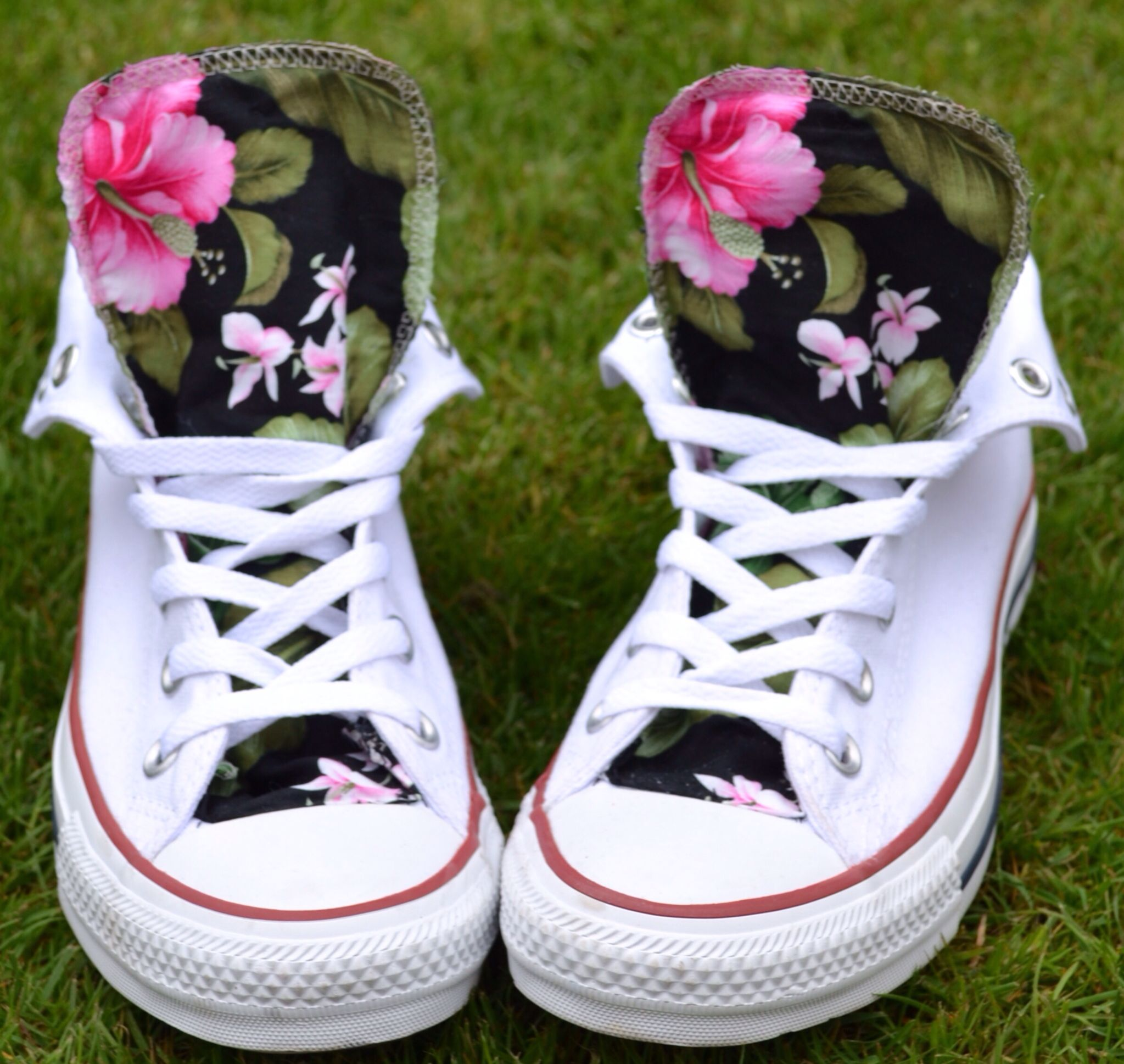7a5d3c734ca Converse high tops diy tongue customize. Easy and cheap diy. Floral print  Teen diys