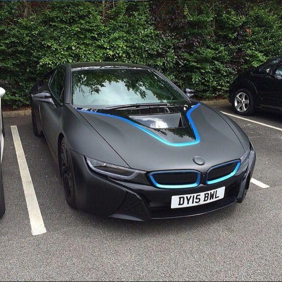 Matte Black Bmw I8 With Blue Details Carros De Luxo Carros Bmw Bmw I8