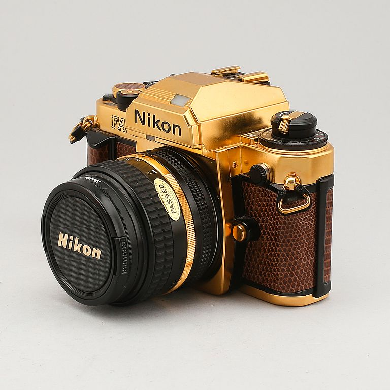 NIKON FA, gold camera grand prix 84 edition, förgylld, 1984.