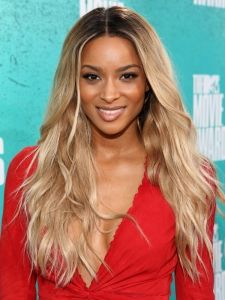 Shoulder Length Ciara Hairstyles Pictures Ciara Ciara S Shoulder Length Ombre Hairstyle With Images Ciara Hair Long Hair Styles Hair Styles