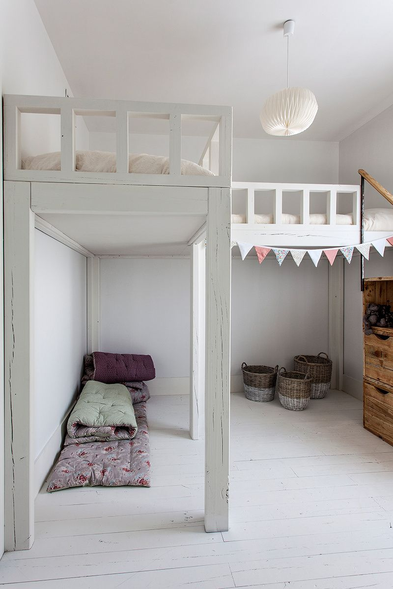 Loft bed ideas for small rooms  Pin by Evelien de Vink on HM  Pinterest  Kids rooms Room and