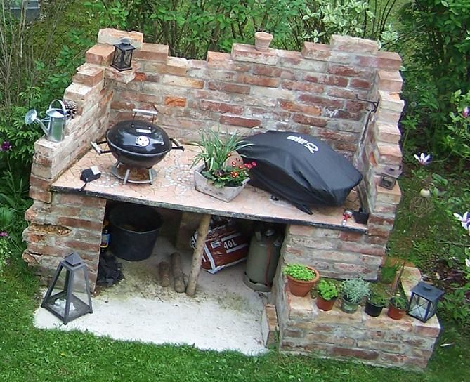 der bau von unserem neuen alten grillplatz mit grills. Black Bedroom Furniture Sets. Home Design Ideas
