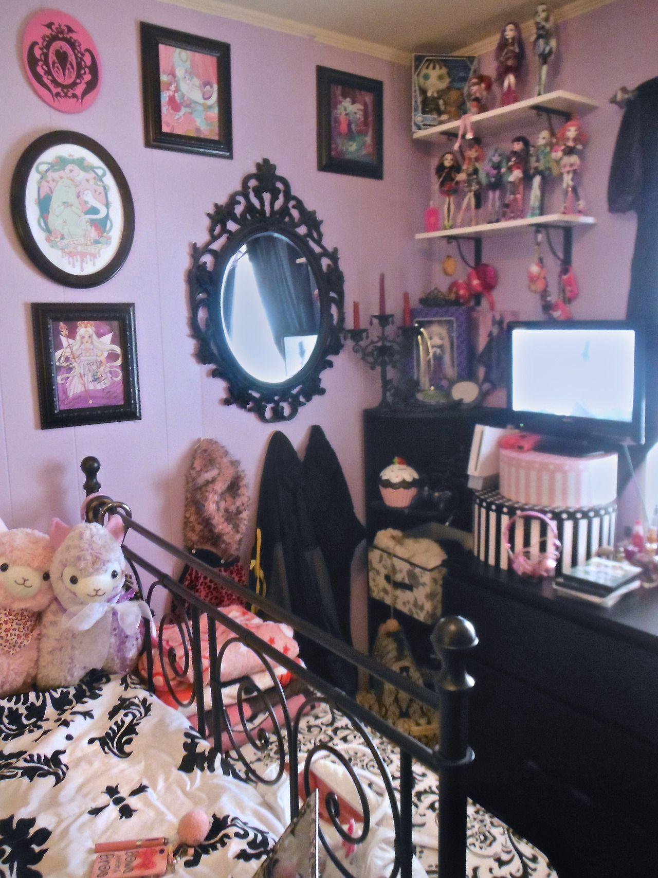 jaynejezebelle My new room is freakin sweet
