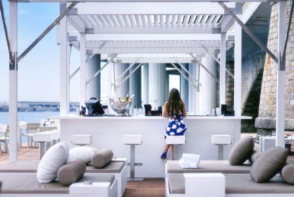 elegant approach with luxury floating bar lavish floating beach bar rh pinterest com