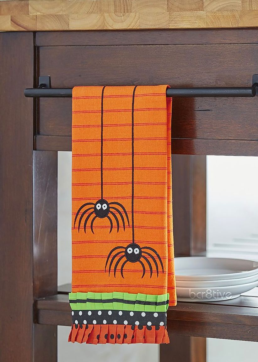 Hanging Spiders Tea Towel Halloween Pinterest Spider - Diy Indoor Halloween Decorations