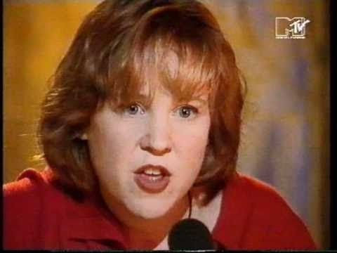 Kristin Hersh - Firepile (live) - solo version of the Throwing Muses song from 1994 MTV - Loving her all over again
