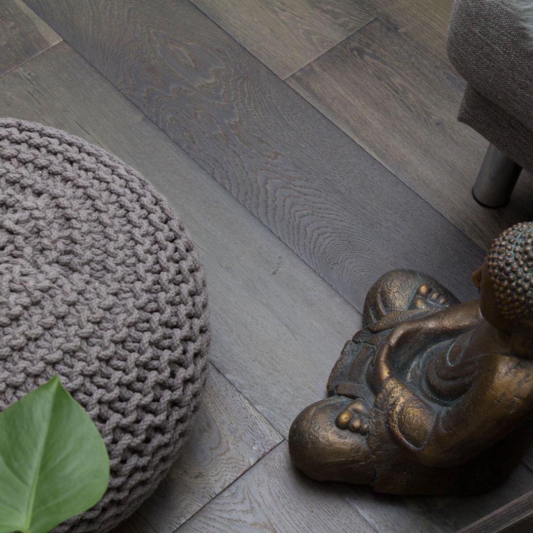 Ønsker dere alle en herlig mandag☀️🍃 Her med en bildeserie av gulvet HUSTADVIKA fra Atlantic Collection. Se hele kolleksjonen hos @nordicflooring 🙌🏼 #bymads #madsmolvik #atlanticcollection #nordicflooring #design #norskdesign #parkett #kvalitet #interiør #inredning #dekor #decor #interior #interiordesign #style #interiorstyling #hjem #home #gulvdeal