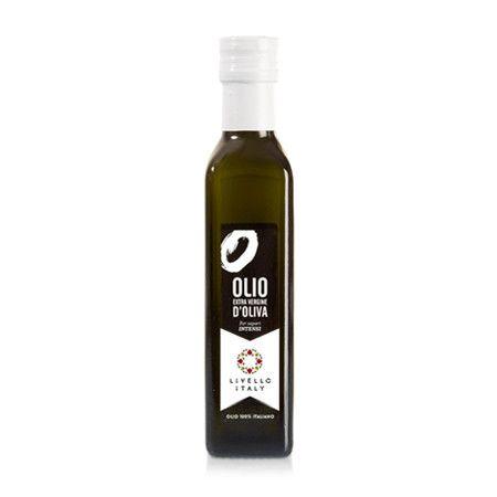 L'olio extravergine di oliva Intenso Livello Italy viene estratto a freddo dalle olive Frantoio e Moraiolo coltivate nelle bellissime colline del Chianti in Toscana.  E' un olio sapientemente equilibrato nella percezione di amari e piccanti.  Al naso si presenta con note di carciofo, pomodoro e rosmarino, poi si percepiscono sentori di radicchio, cetriolo e pepe nero.  Lo puoi utilizzare su verdure crude e alla griglia, carni grigliate ed arrosti, zuppe e minestre di legumi. Confezione da…