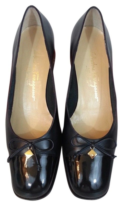 cebe80d1047 Salvatore Ferragamo Timida Size 9 Dark Navy Blue Pumps. Get the must-have  pumps of this season! These Salvatore Ferragamo Timida Size 9 Dark Navy  Blue Pumps ...