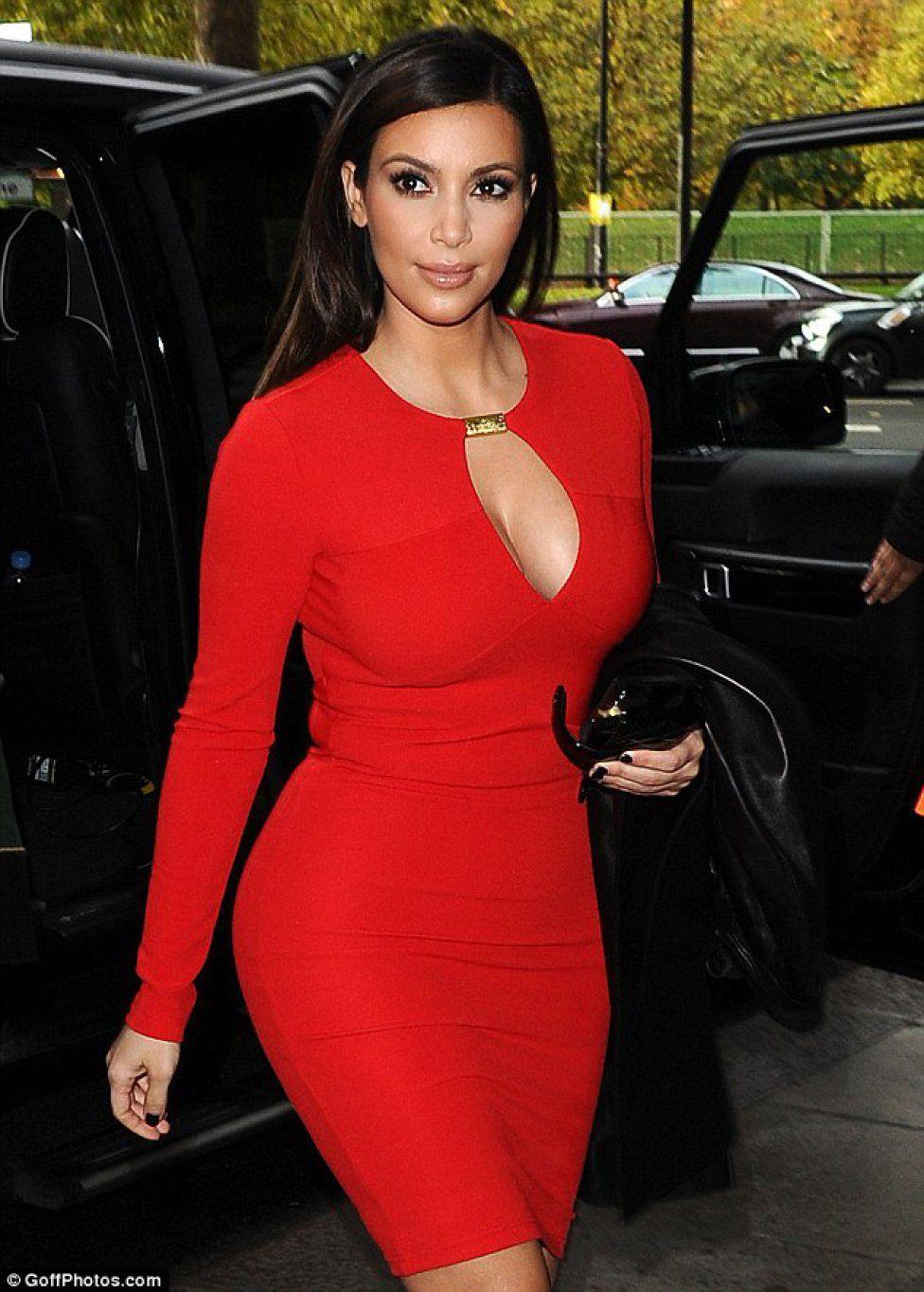 Kim Kardashian Kim Kardashian: 35 años de las curvas más explosivas ...