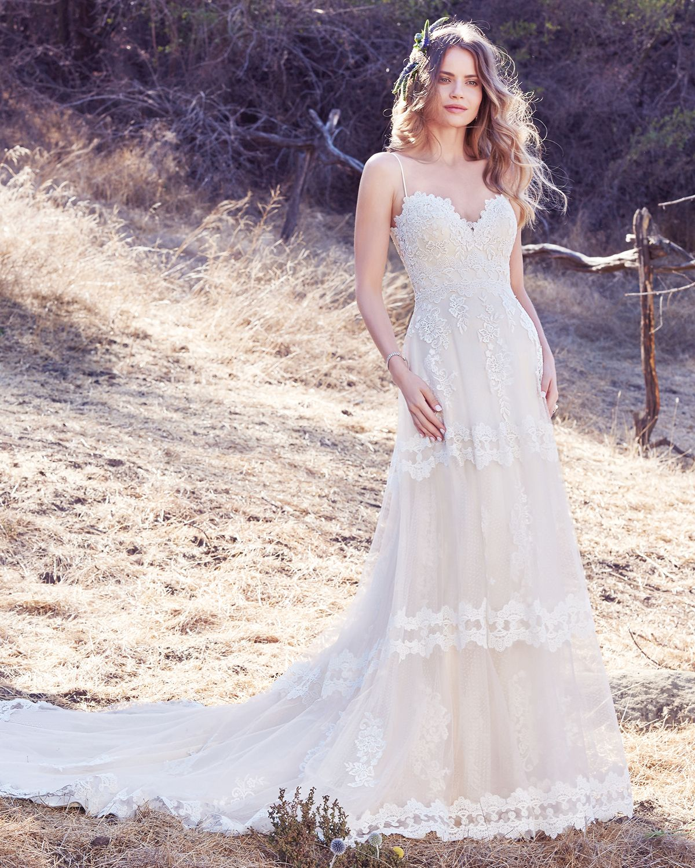 Vestido de Novia de Maggie Sottero (Emily), corte en a, escote en v ...