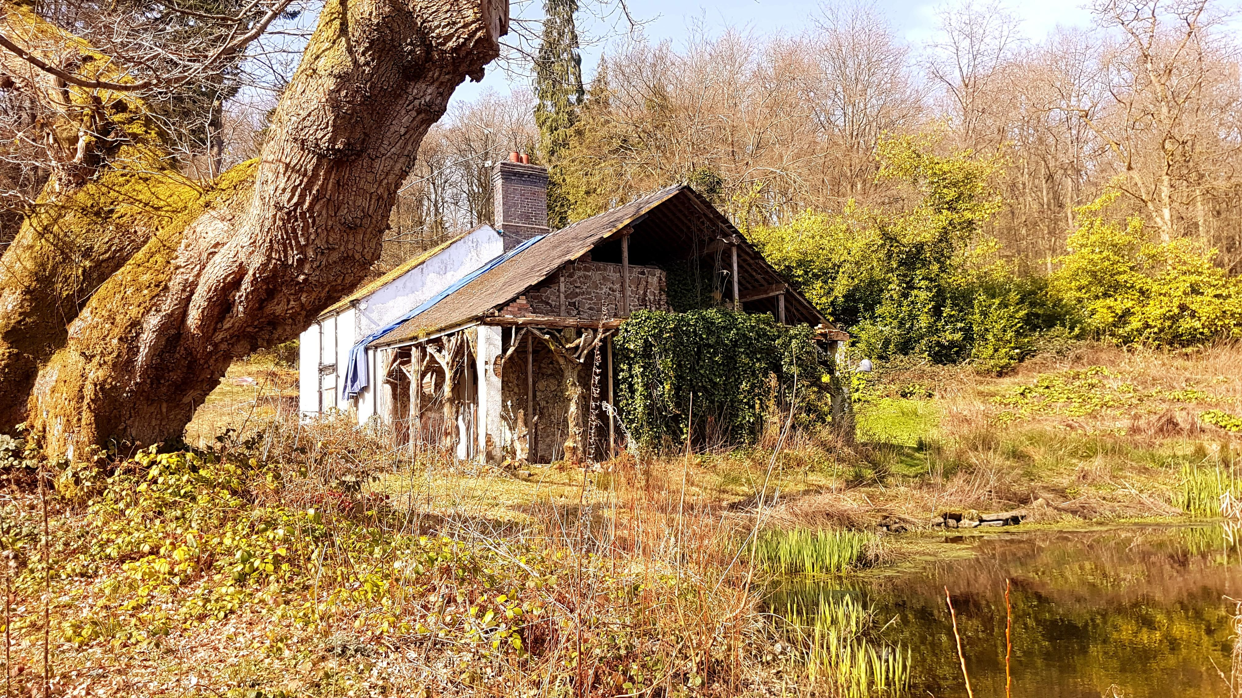 Abandoned Swiss Cottage Oswestry Shropshire In 2020 Swiss Cottage Oswestry Abandoned