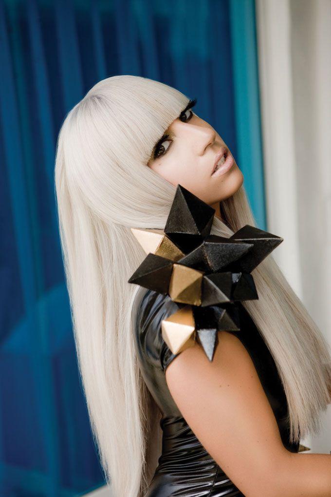 Viisinkertainen Grammy-voittaja Lady Gaga saapuu Suomeen The Born This Way Ball -kiertueensa myötä. Supertähdeltä nähdään kaksi konserttia Hartwall Areenalla, 27. ja 28. elokuuta.