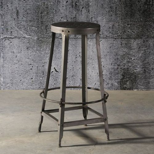 Tabouret de bar en métal noir avec assise perforée (par 2)   Decoclico e4dc1575f368
