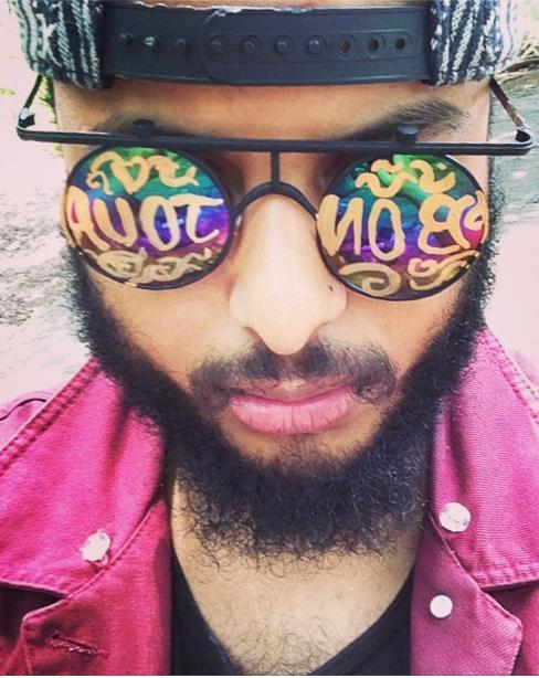 Jonatan Mejia wears Mercura BONJOUR Sunnies