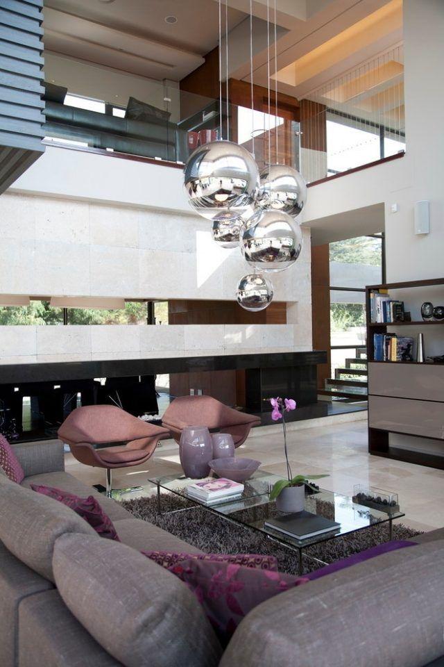 beleuchtung wohnzimmer pendelleuchten silberne kugeln lila