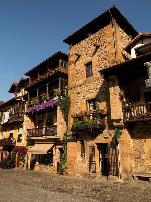 Comillas cantabria espa a spain paisajes lugares con for Lugares turisticos para visitar en espana