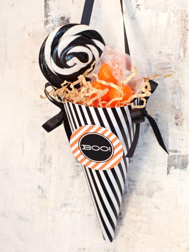 Halloween Party Favor Make a Treat Cone Halloween parties, Favors - halloween treat bag ideas