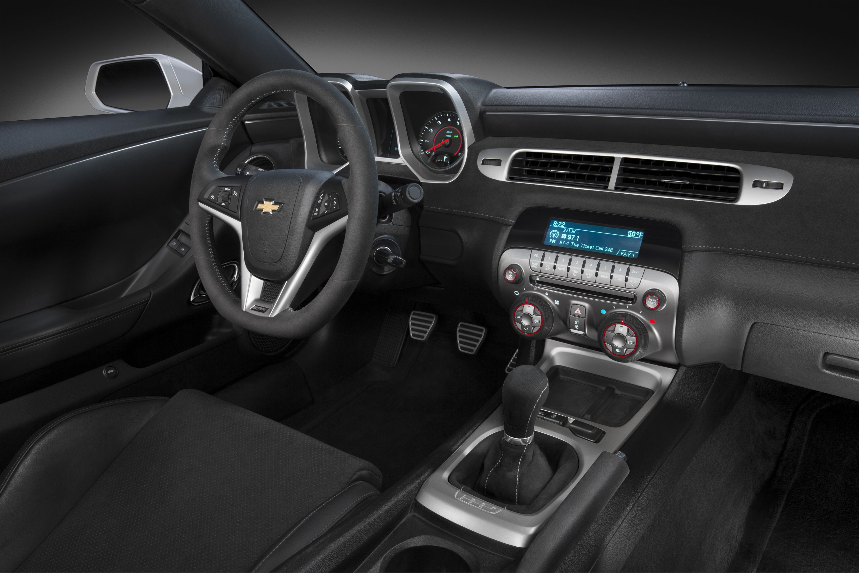 2015 Chevrolet Camaro Z28 interior front seat from passenger side