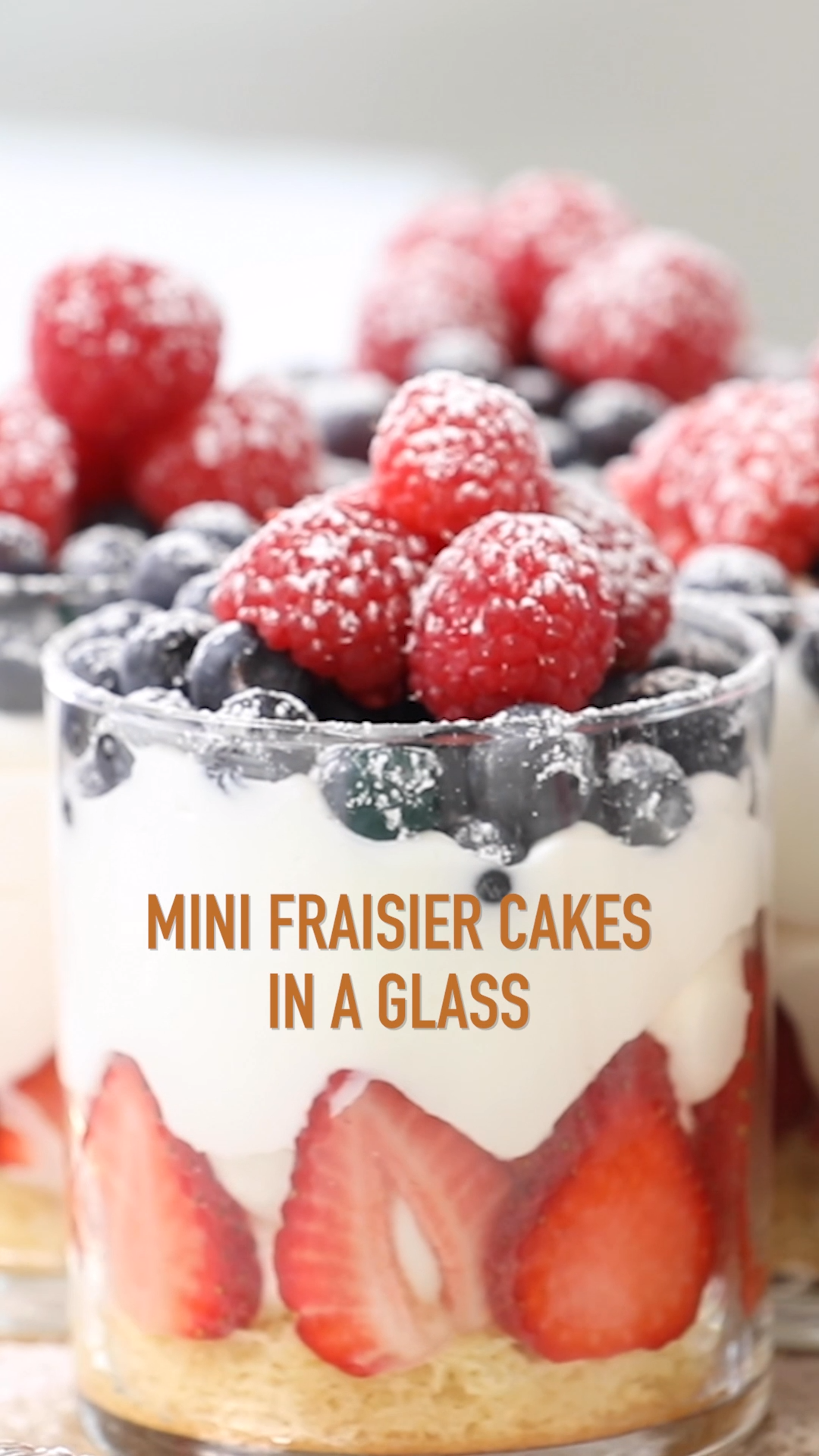 Photo of Mini Strawberry Cakes