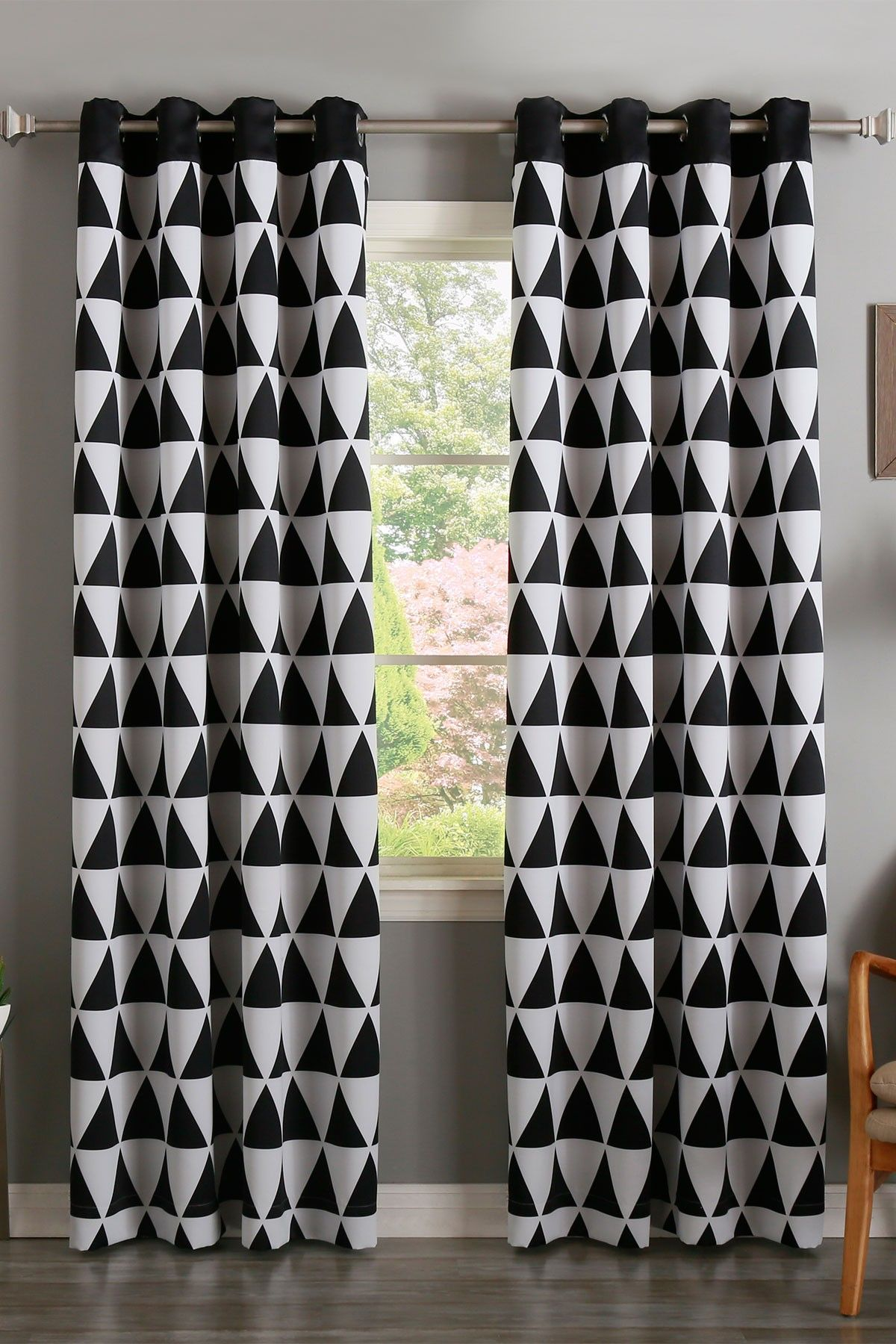 Best Home Fashion Inc Black Geometric Triangle Printed Room Darkening Grommet Curtains Set Of 2 Panels Hautelook Curtains Grommet Curtains Window Wall Decor