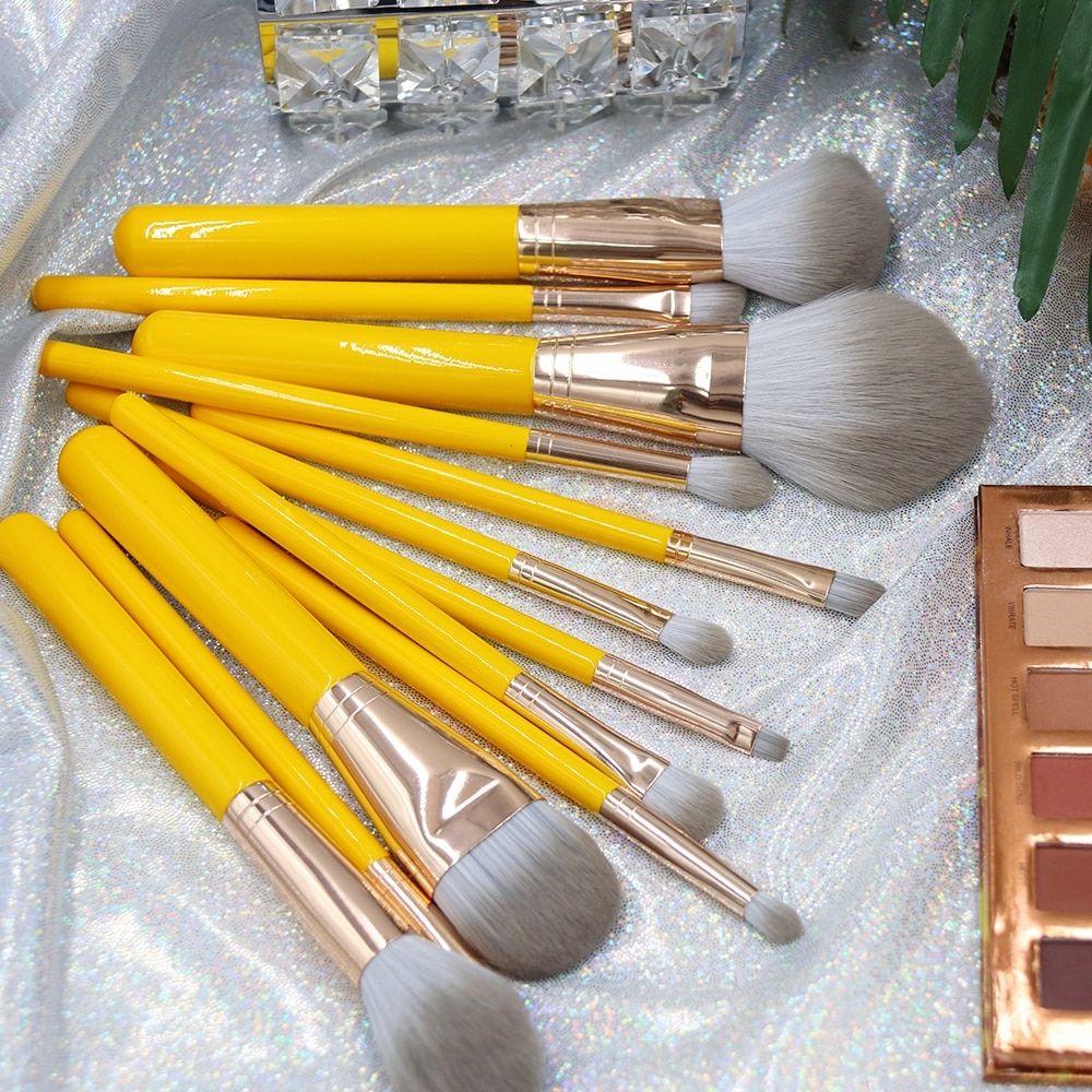 1 Piece Bright Yellow Makeup Brush Powder Foundation Blush