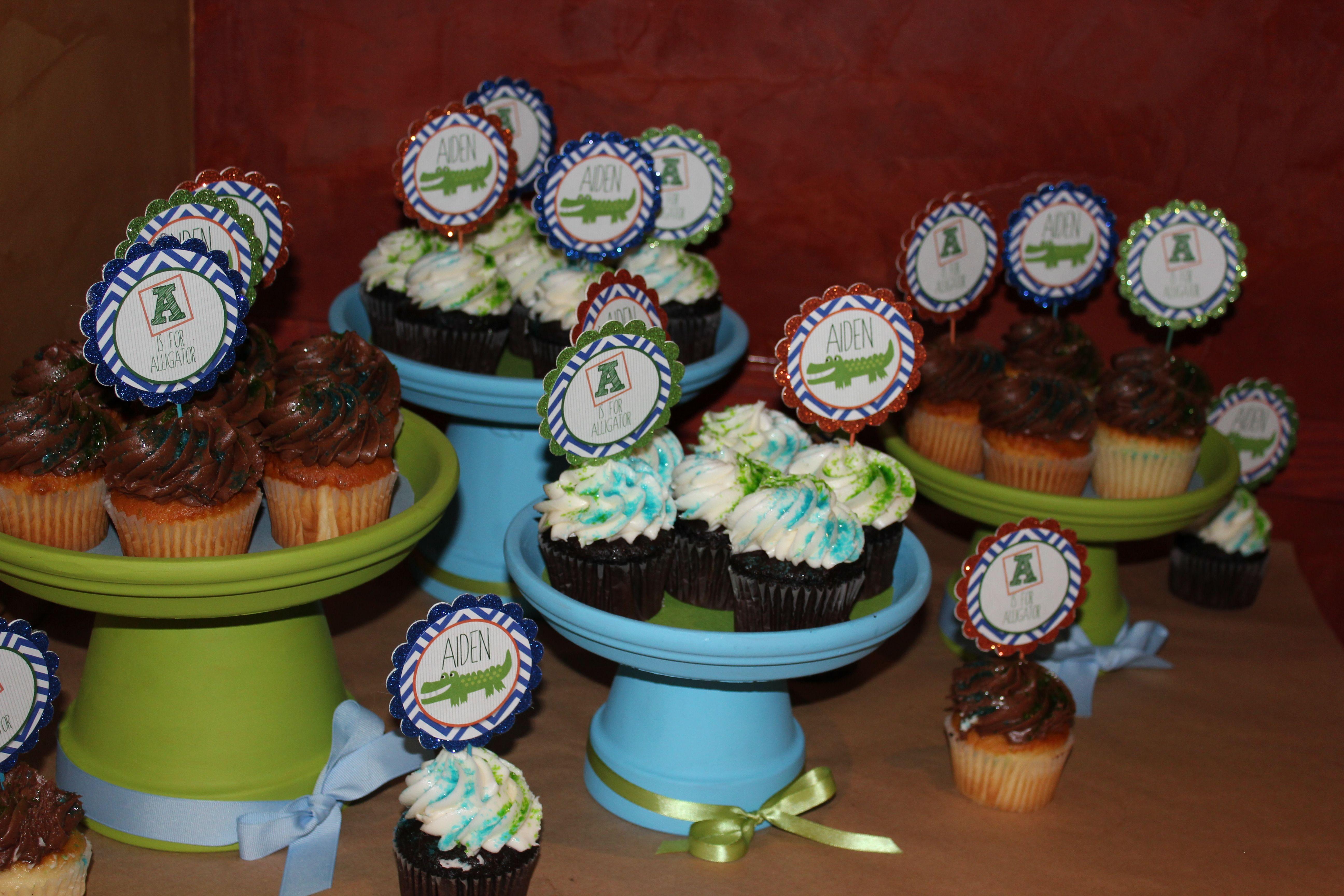 DIY Wedding Cupcake Stand   Diy wedding cupcakes, Homemade ...