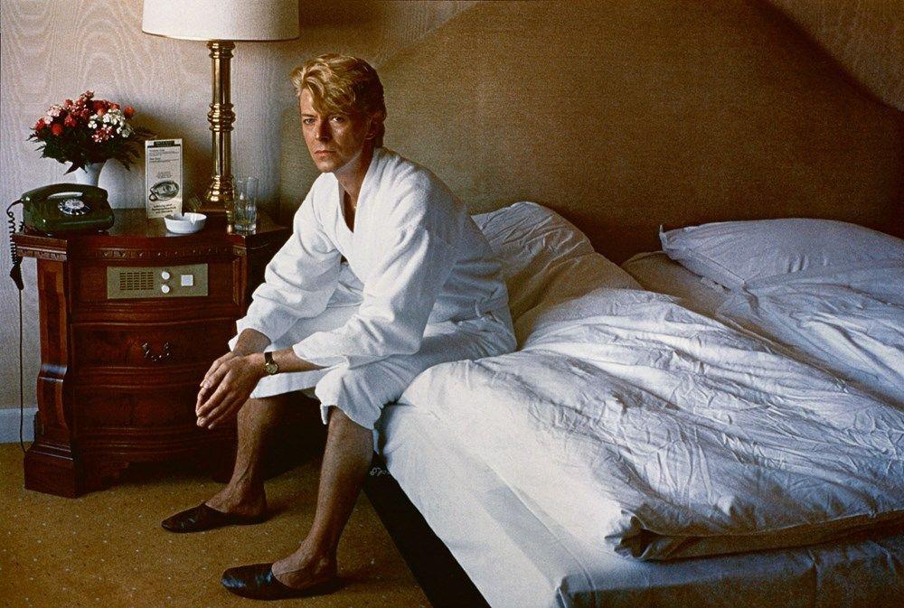 4_Helmut Newton, David Bowie, bedroom Kempinski Ho
