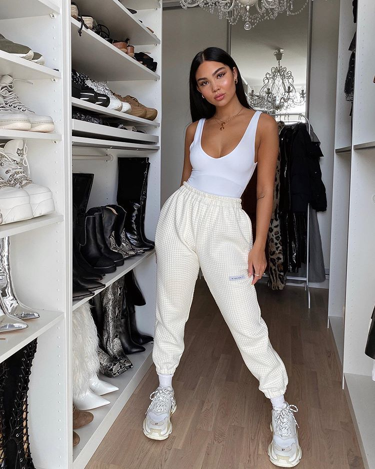 Amanda On Instagram What You Ll Catch Me Wearing 90 Of The Time Top Fashionnova Fashion Outfits Sporty Outfits Fashion Inspo Outfits