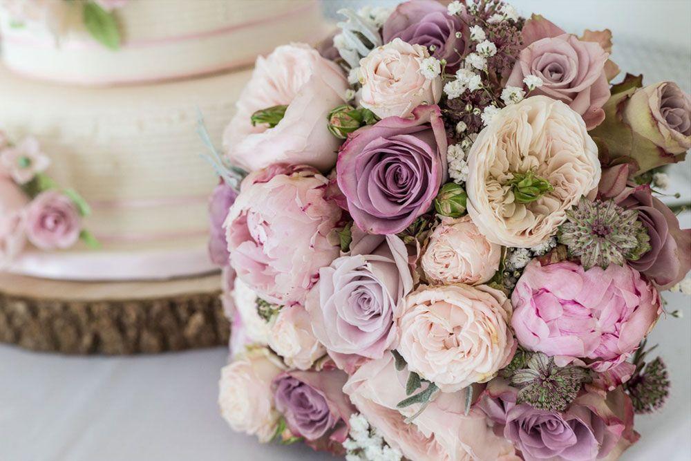 Rock My Wedding Rates Tarnia Williams creator of Luxury Flowers in ...