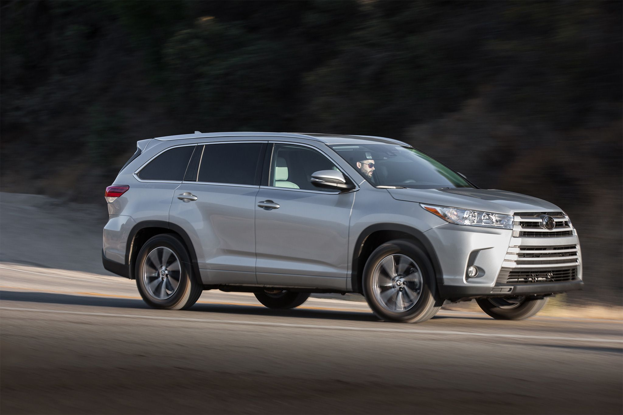Motor Trend Reviews The 2017 Toyota Highlander Where Consumers Can Find  Detailed Information On Specs, Fuel Economy, Transmission And Safety.