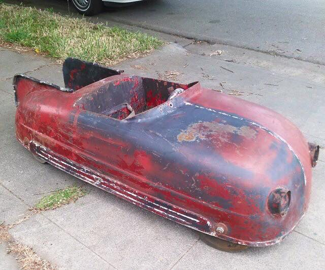 Can anyone ID this Pedal Car?