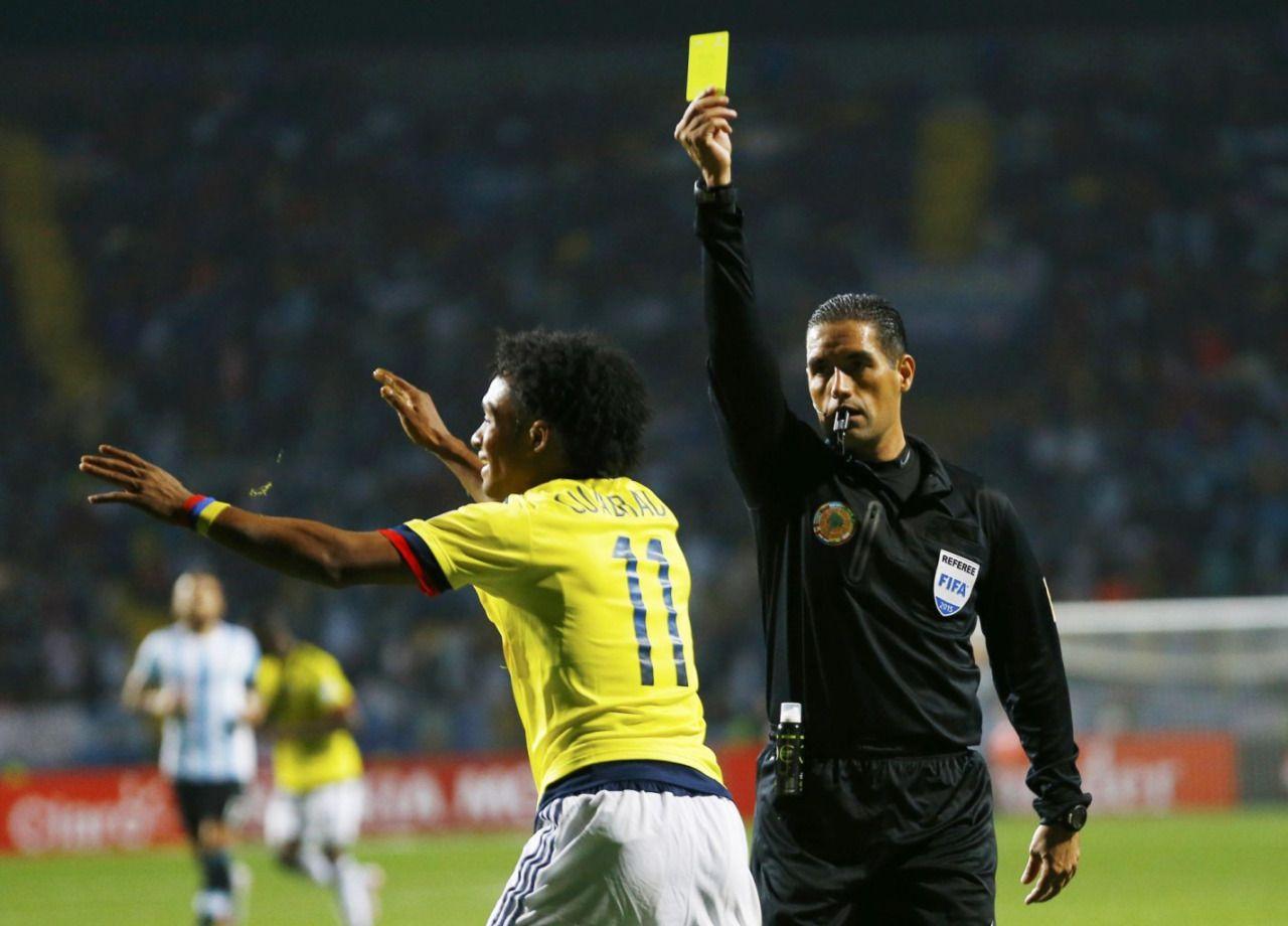 Cuadrado got yellow . Colombia vs Argentina . Copa América Chile 26.6.15
