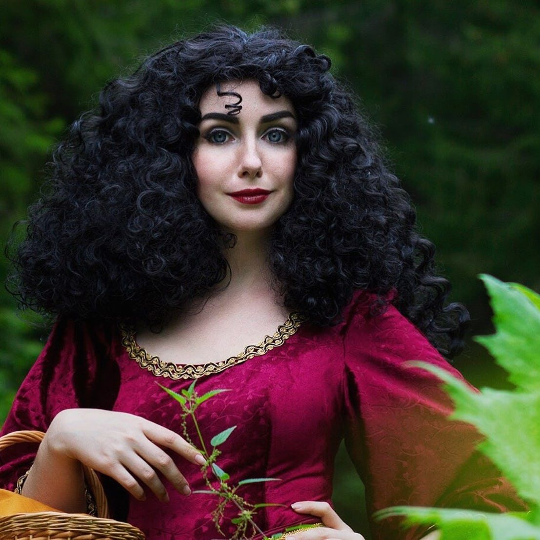 15 Incredible Cosplayers Who Take Disney Villains To The Next Level
