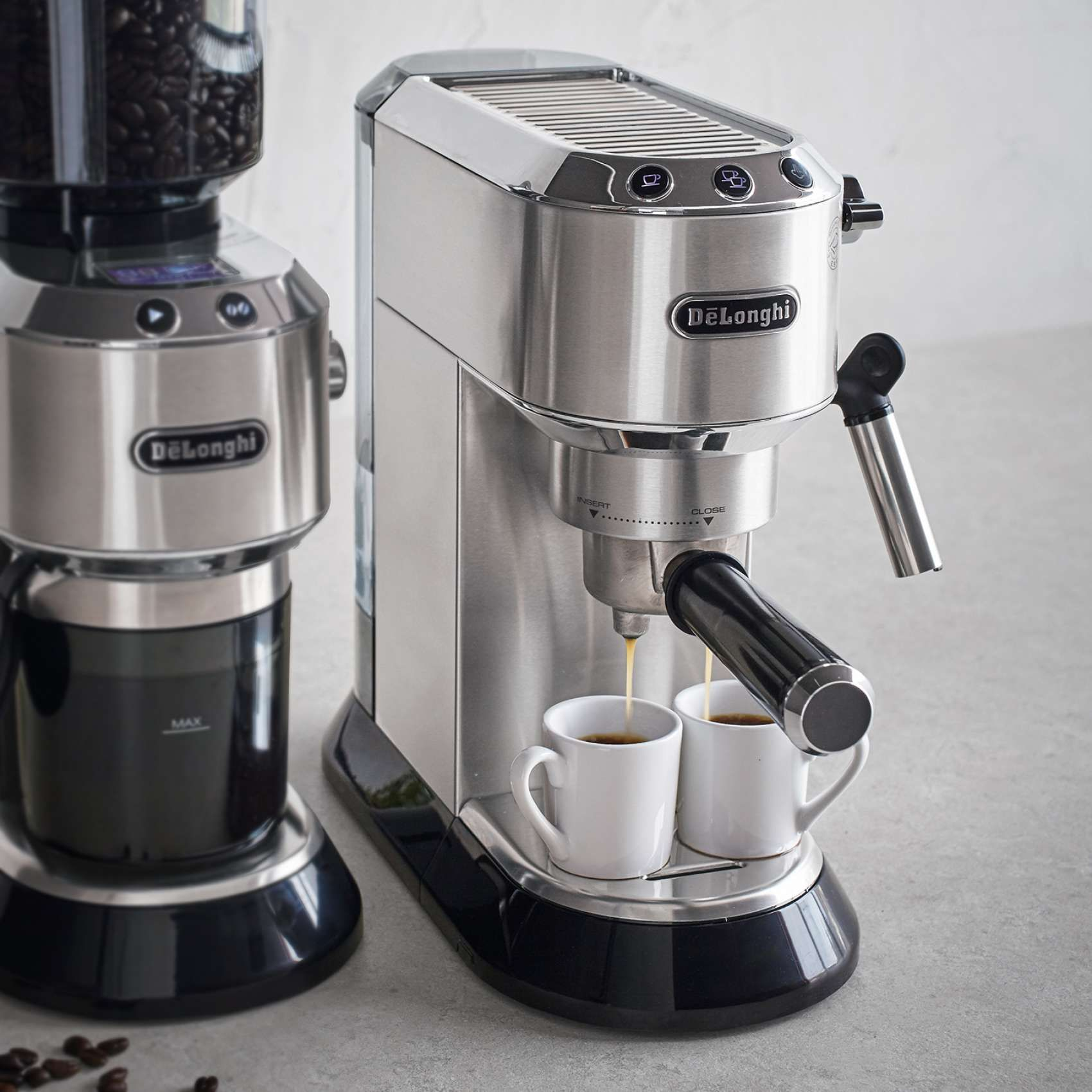 De Longhi Dedica Pump Espresso Machine Sur La Table Espresso Machine Espresso Coffee Machine Cappuccino Machine