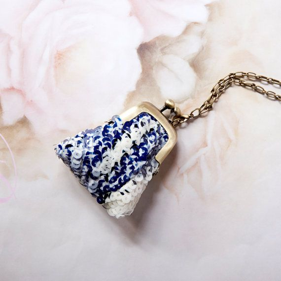 Handmade beadwork sequins coin purse necklace by ElfLandiy on Etsy